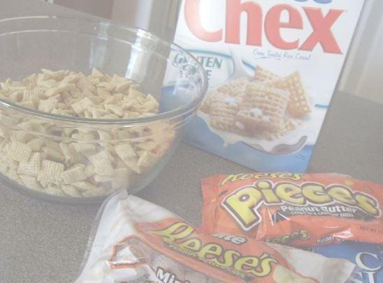 Into large bowl, measure cereal; set aside.