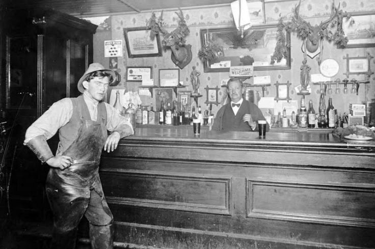 The teenage Jack London and John Heinold at The First and Last Chance Saloon. Photo: Huntington Library.