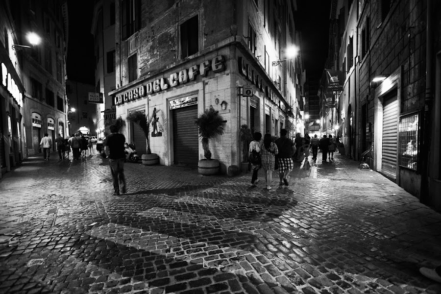 by Jun  Gomez - City,  Street & Park  Street Scenes ( black and white, street, travel )