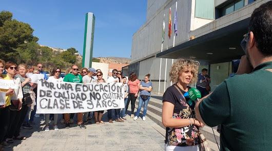 """""""Más recortes"""" para el colegio Celia Viñas de Berja en plena pandemia"""