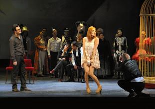 Photo: LES CONTES D'HOFFMANN im Theater an der Wien. Regie: Roland Geyer. Premiere: 4.7.2012. Marlis Petersen. Foto: Barbara Zeininger