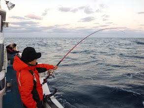 """Photo: いつも爆釣する、""""タムラさん""""今日もバリバリ釣ります!"""