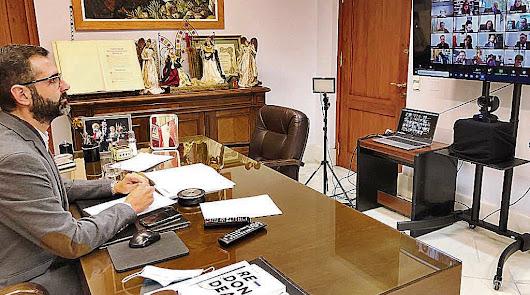 Mesa de trabajo para trazar un plan de apoyo para la hostelería y el comercio