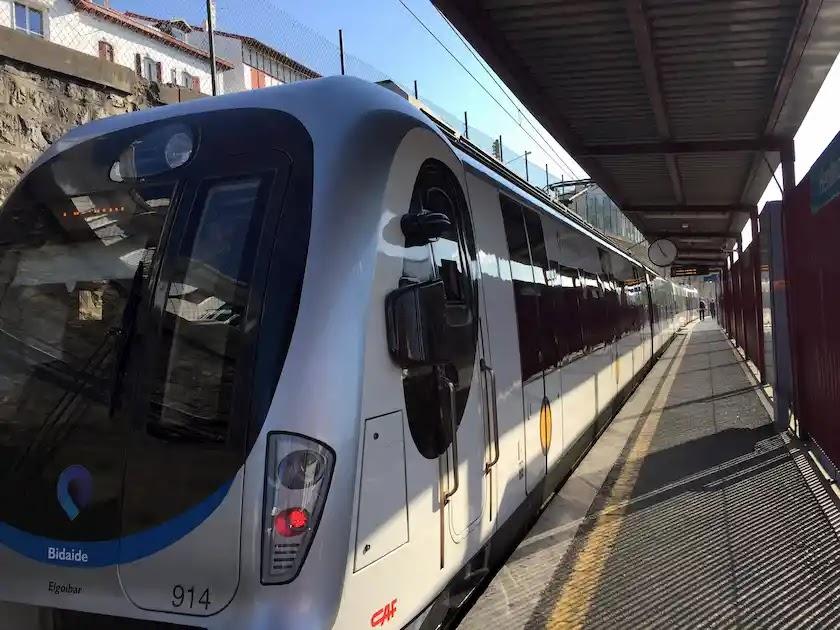 サンセバスチャンからオンダイエまでバスク鉄道