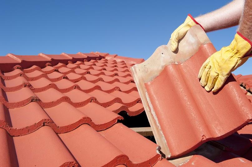 Montaż dachówek ceramicznych