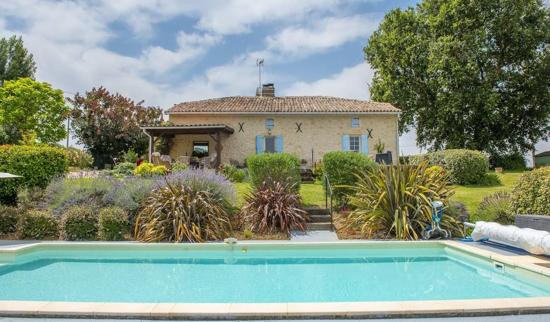 Maison avec piscine Lavit