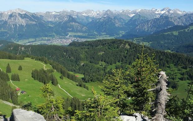 Besler Gipfel Ausblick Hochvogel Schneck Großer Wilder Schattenberg Sprungschanzen Oberstdorf, Obermaiselstein Allgäu