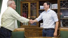 El alcalde, Felipe Berenguel en una visita al presidente de la Diputación.