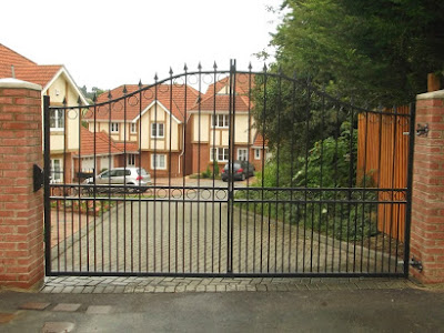 Private Road Double Metal Gate
