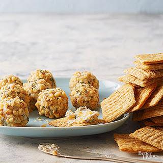 Blue Cheese-Apricot Balls.