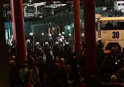 🎥 Débordements à l'extérieur du stade, départ têtes basses pour le groupe mauve : les images du Clasico de la honte