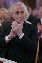 Photo: José Carreras bei einer Ehrung in Wien - 13.10.2011.  Foto: DI. Dr. Andreas Haunold