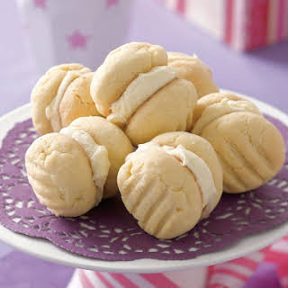Passionfruit 'Yoyos' (Australian Cookies).
