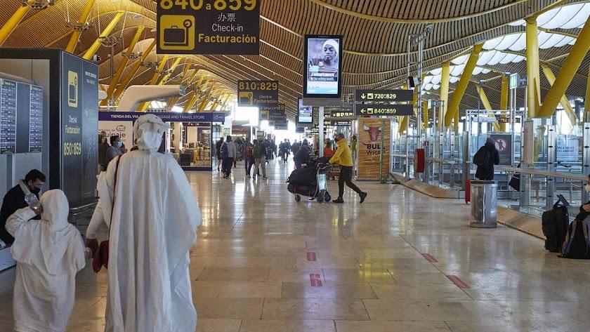 Un varón de Granada que llegó en avión desde África, el primer caso en Andalucía.