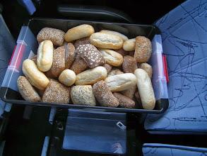 Photo: Verse broodjes, speciaal voor ons gebakken. Voor de lunch