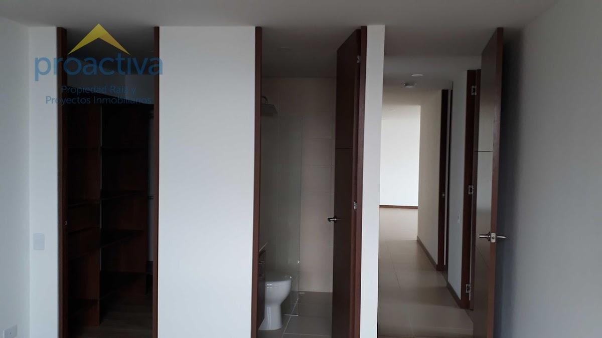 apartamento en arriendo altos del poblado 497-7332
