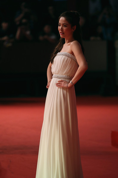 hyekyo gown 7