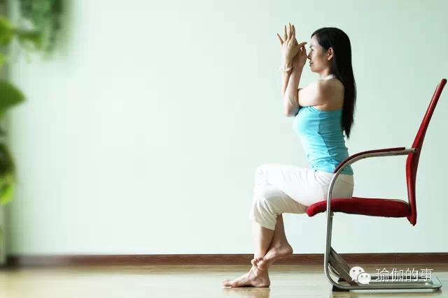 Say Goodbye to Neck And Shoulder Pain Try Yoga In The Office