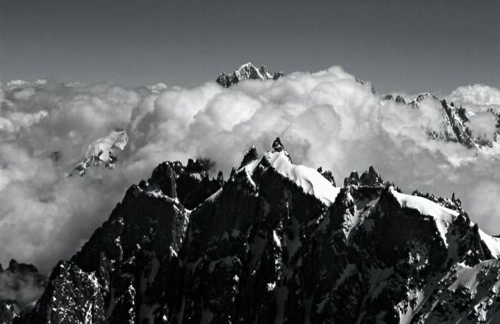 Solo il rumore del vento. di Paolo Zanoni