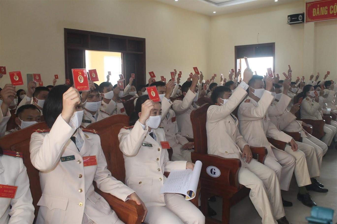 Đại hội biểu quyết giới thiệu nhân sự vào BCH nhiệm kỳ 2020 - 2025