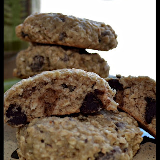 Banana-Nut Chocolate-Chip Oatmeal Cookies