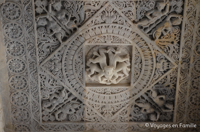 Ranakpur, plafond sculpté