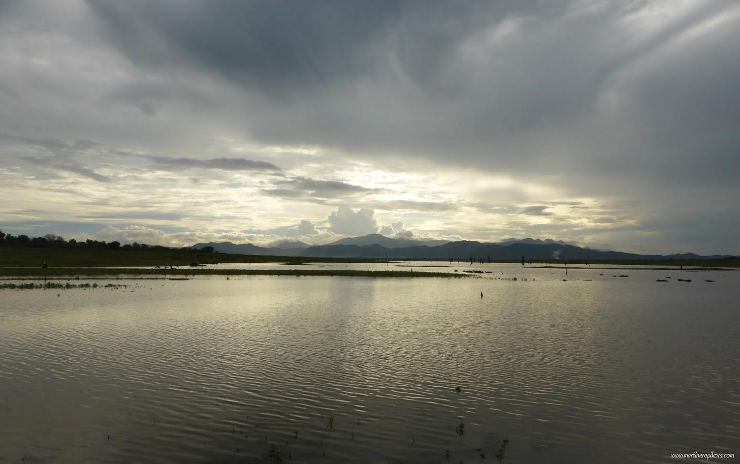 Uda Walawe reservoir, Uda Walawe, Sri Lanka