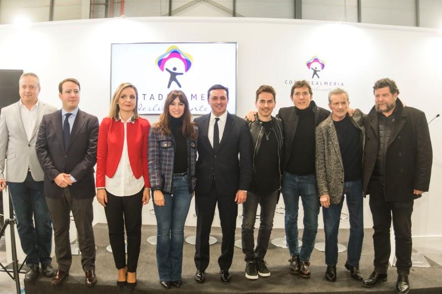 Jorge Lorenzo, Manel Fuentes, Juan Diego y Natalia Verbeke junto a las autoridades políticas.