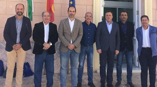Los alcaldes tras la constitución de la asociación.