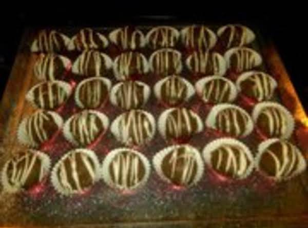 I Decorated These With White Chocolate Drizzle Instead Of Nuts.