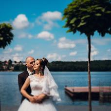 Wedding photographer Vitaliy Nalizhitiy (Rococo). Photo of 24.01.2018