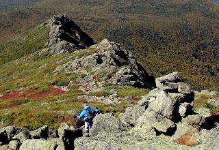 Photo: Jefferson 23 septembre 2007 Parois on montr presque completement.. parfois on passe entre les roche s et les arbres