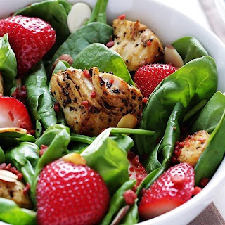 Lemon Pepper Spinach Salad with Chicken
