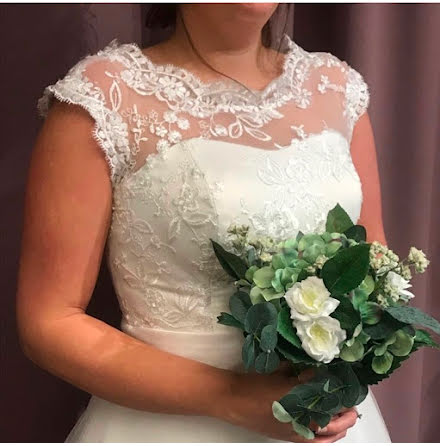 Brudklänning för dig som söker enkelt och vackert