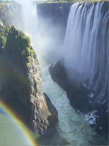 Toward_the_main_part_of_the_Victoria_Falls