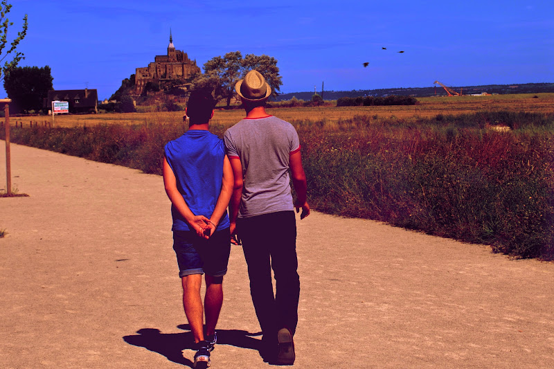 Deux frères sur la route du Mont Saint-Michel di luiker