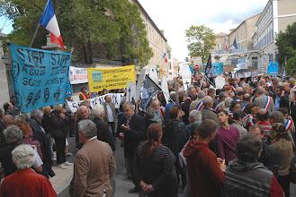 """Photo: Soutien aux Maires Ardéchois - Permis """"Bassin d'Alès"""" Préfecture de Privas- Stop aux gaz et huiles de Schiste  - 27 septembre 2012 - © Olivier Sébart"""