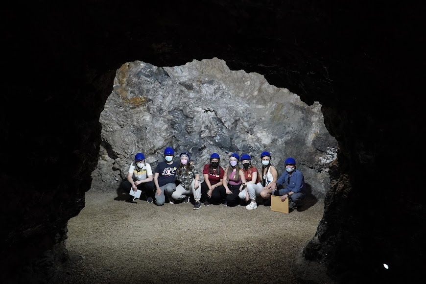 José María Calaforra impartió una clase a los alumnos de la UAL en la Geoda de Pulpí.