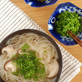 Simple Somen Noodles in Hot Soup