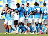 Dries Mertens zet Napoli met een doelpunt op weg naar een 2-0 zege tegen Benevento