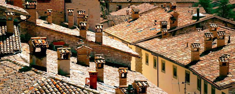 i tetti di gubbio di arturo aiello