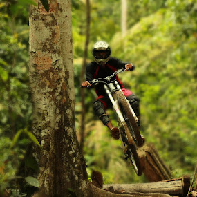 DOWHILL by Amirul Hakim - Sports & Fitness Cycling