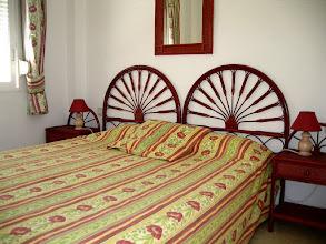 """Photo: Chambre avec lit 160x200 (2 matelas de 80x200) """"de l'étage"""""""