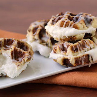 Cinnamon Roll-Marshmallow Waffle Sandwich