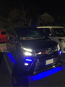 ヴォクシー ZRR85W VOXY煌ⅢZS 4WD 7人乗りのカスタム事例画像 こうさんさんの2018年12月09日10:33の投稿