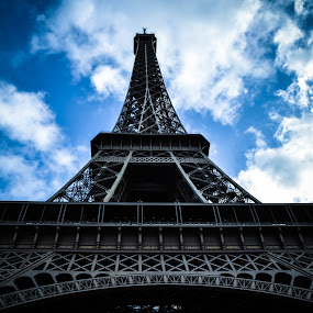 Eiffel Tower by Craig Payne - Buildings & Architecture Statues & Monuments ( paris, sky, metal, eiffel towe, monument )