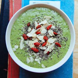 Mango-Kiwi-Avocado Green Smoothie Bowl