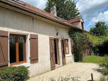 maison à Sainte-Colombe-sur-Loing (89)