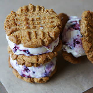 PEANUT BUTTER AND JELLY ICE CREAM SANDWICHES (GLUTEN-FREE).