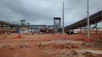 Photo: Esteira de minério da Anglo American no Porto do Açu
